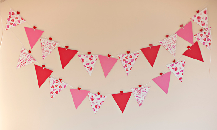 diy prop valentines day bunting flags - Valentines Backdrops